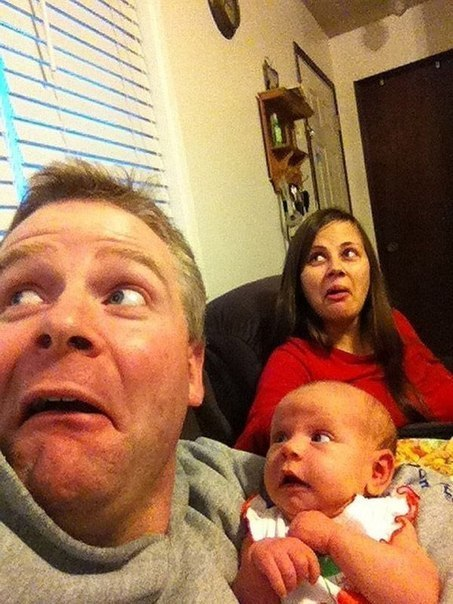 Милая фотосессия с новорожденной дочуркой