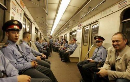 Приколы из метро Прикольные картинки ...: fun.tochka.net/pictures/24572-prikoly-iz-metro