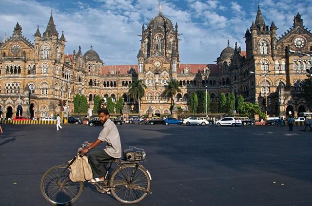 Достопримечательности Мумбаи: вокзал Чхатрапати Шиваджи