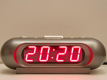 Що означають однакові цифри на годиннику?
