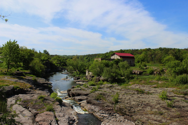 luchsheye mesto otdykha nedaleko pod Kiyevom