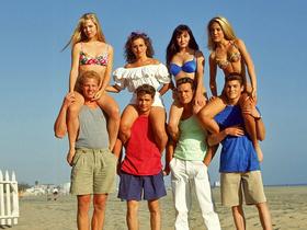 """""""Беверли-Хиллз, 90210"""": звезды сериала тогда и сейчас"""