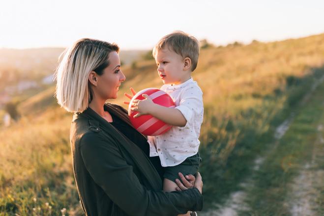 Не з'їжджай з ґлузду: 5 порад молодій мамі