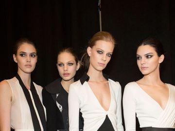 Бьюти-образ моделей с показа Diane von Furstenberg Осень 2015