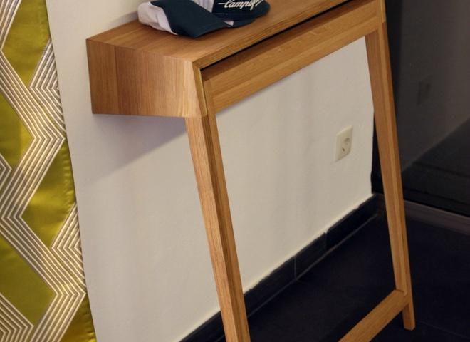 услужливый предмет мебели