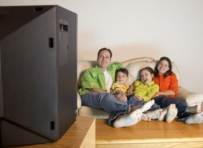 Телевизор вредит здоровью ребенка