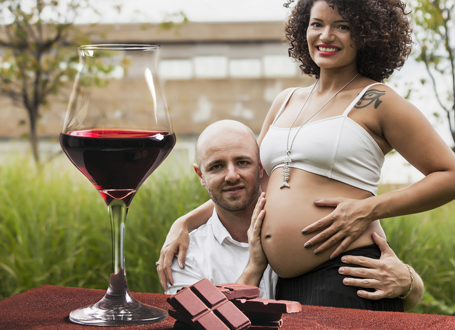 Красное вино во время беременности: за и против