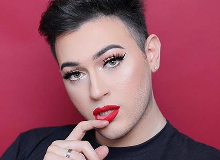 Революція: чоловік в рекламі жіночої косметики Maybelline