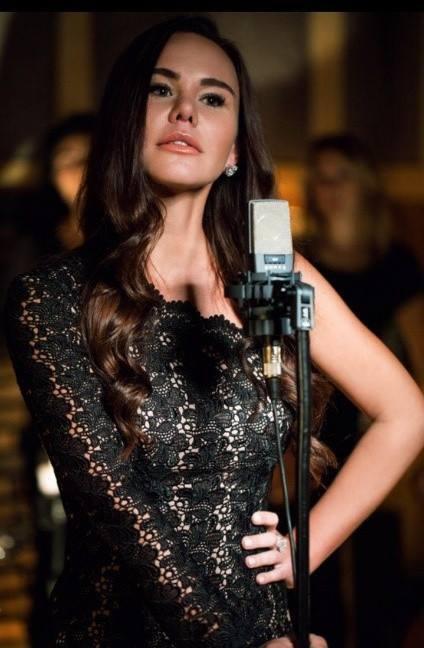 Что в гардеробе у знаменитости: 7 важных вещей певицы VLADA