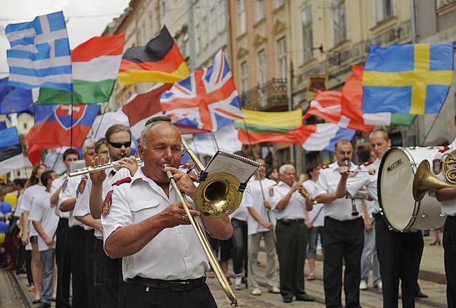 ТОП-5 мест, куда стоит поехать весной 2012 в Украине