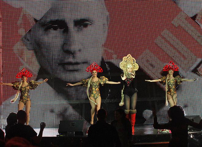 Ольга Полякова спела с Путиным