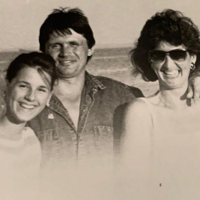 Маша Ефросинина с родителями