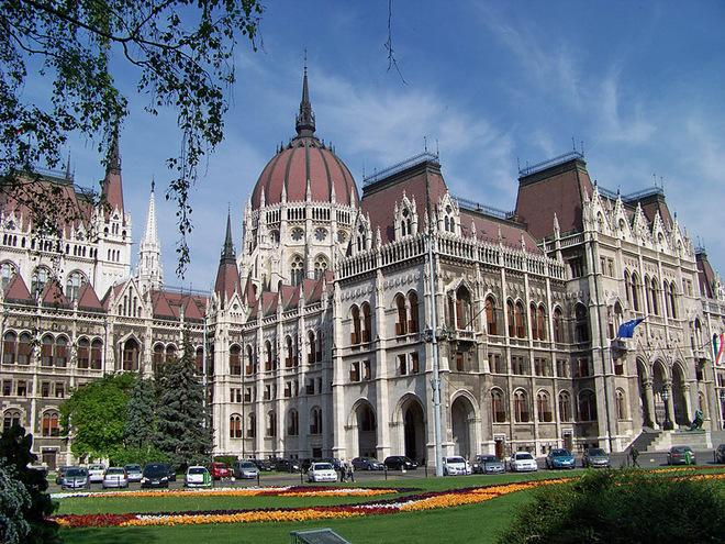 Где туристу почувствовать себя депутатом: Венгерский парламент