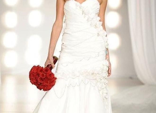 Свадебное платье стоит $500 тыс.