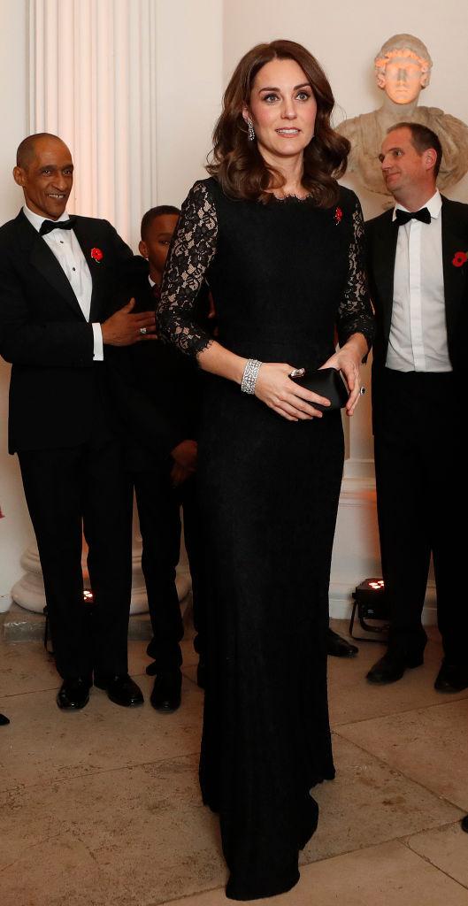 Меган Маркл і Кейт Міддлтон в однакових сукнях