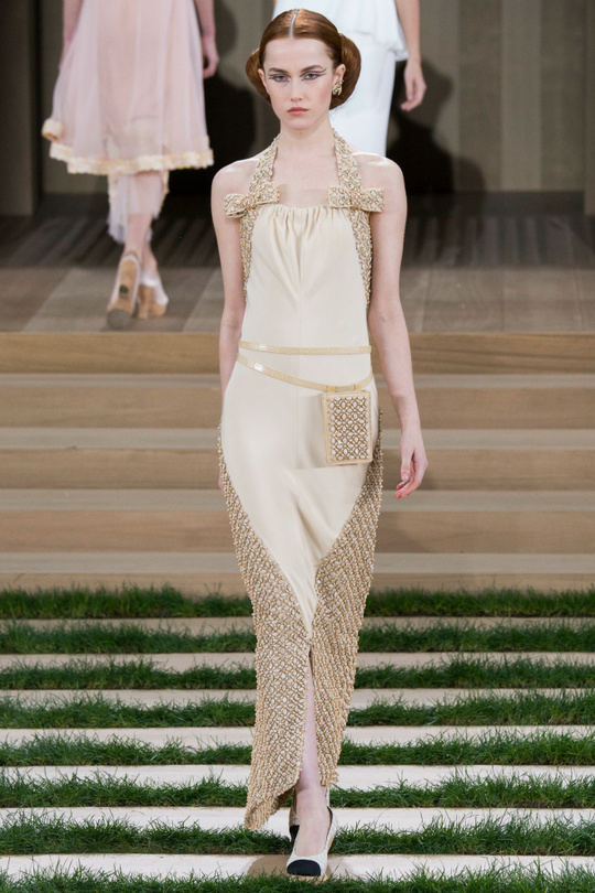 Кутюрная коллекция Chanel Весна-2016