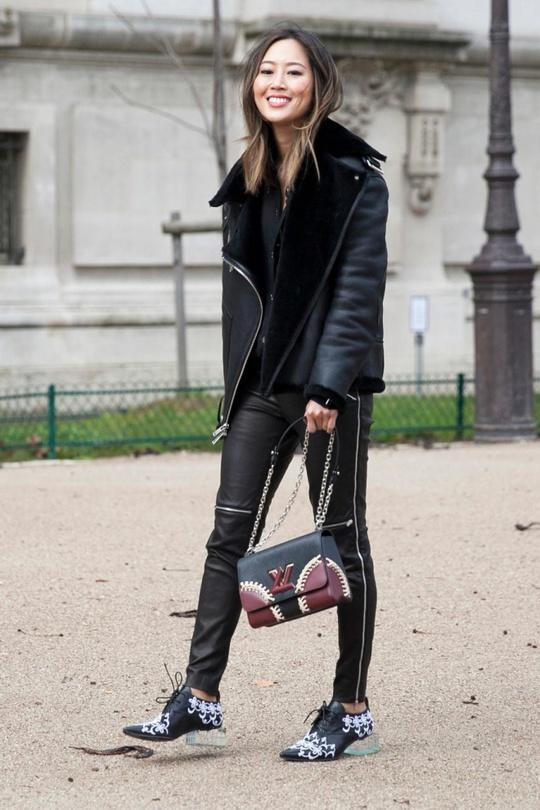 Street style Тижня моди в Парижі: дублянки