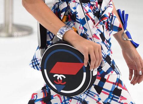 Модные сумки 2016: сумка-почтальонка