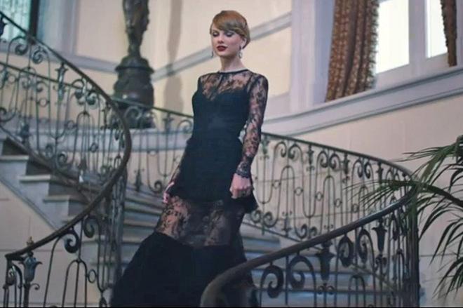 Образы Тейлор Свифт из клипа Бланк space