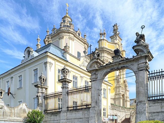 Святые места Украины: ТОП-7 величайших католических храмов