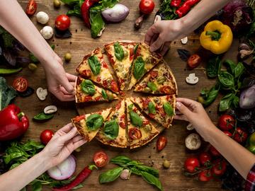Рецепт ледачої піци за 5 хвилин