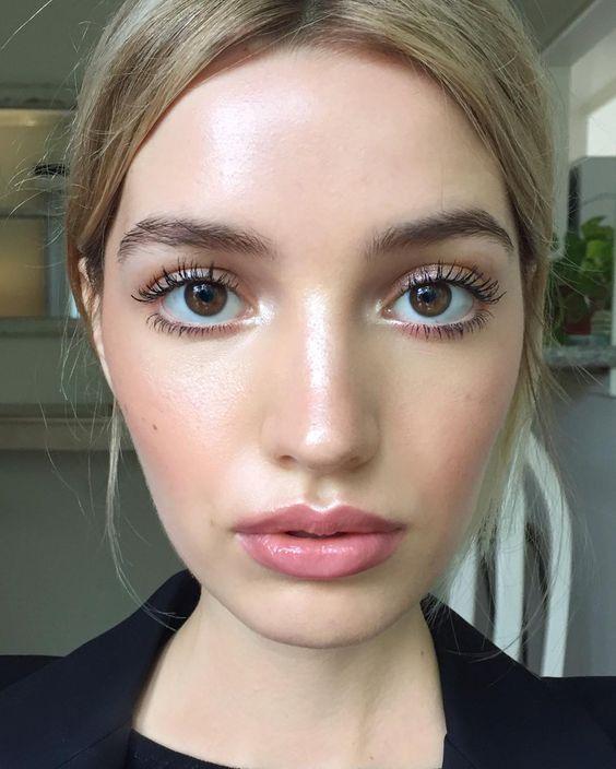 Великі очі за допомогою макіяжу