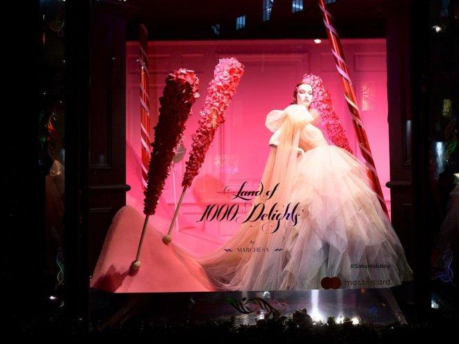 Найгарніші різдвяні вітрини світу: Saks Fifth Avenue і Bergdorf Goodman