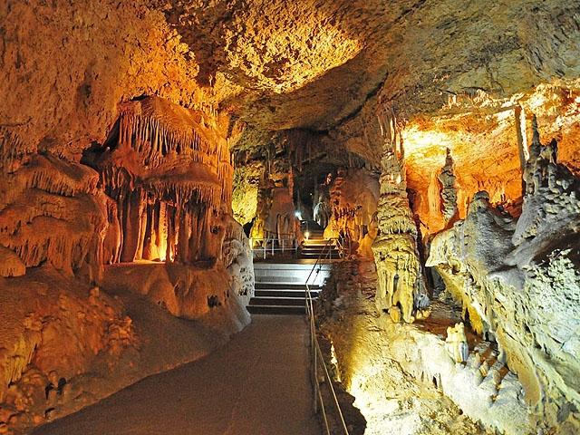 Мармурові печери в Криму