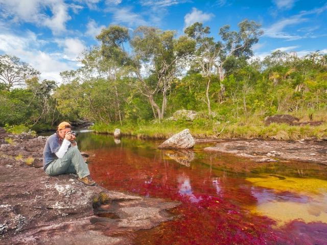 Річка п'яти кольорів