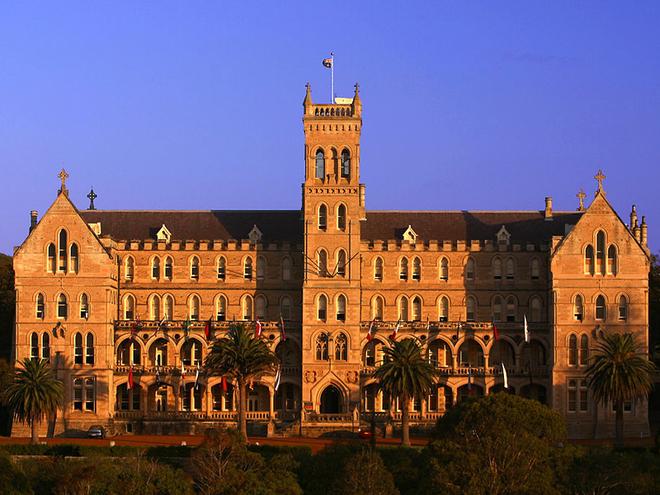Подорож з «Великим Гетсбі». Семінарія Святого Патріка в Сіднеї.