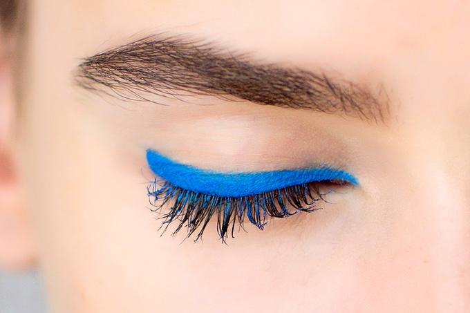 Трендовый цвет сезона - синий