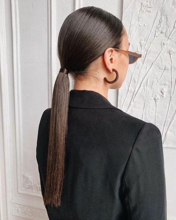 Простые прически в офис на длинные волосы