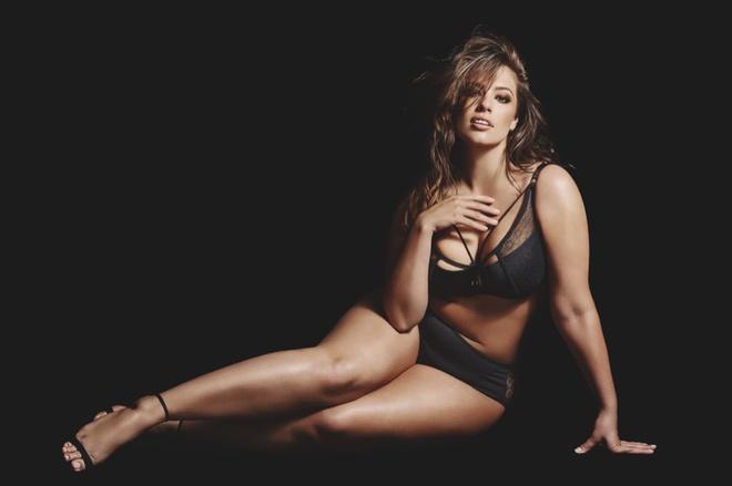 Plus-size модель Ешлі Грехем в рекламі нижньої білизни