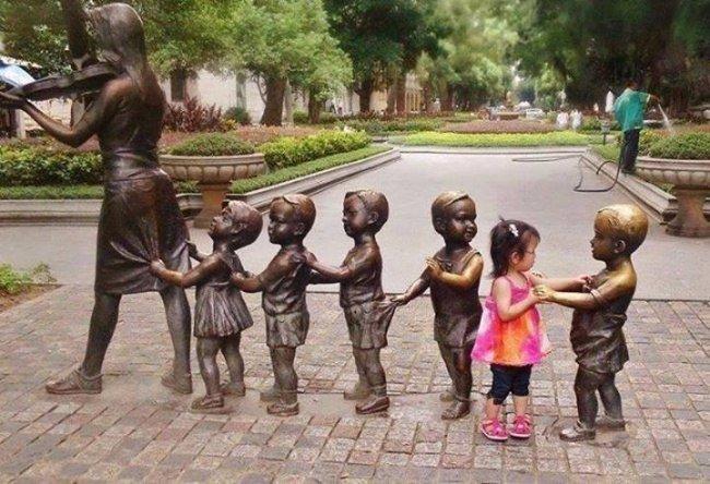 Как нужно фоткаться с памятниками