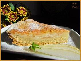 Яблочно-грушевый пирог в нежном сметанном креме