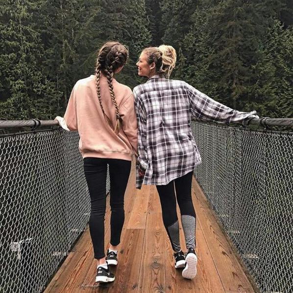 Friendship goals: как утешить подругу, которая рассталась с парнем