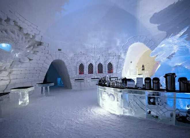 """У Фінляндії відкрився крижаний готель у стилі """"Ігри престолів"""""""