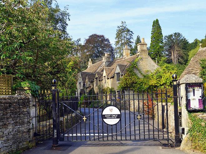 Деревня Castle Combe
