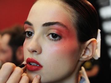 Make-up тренд 2017: червоні тіні