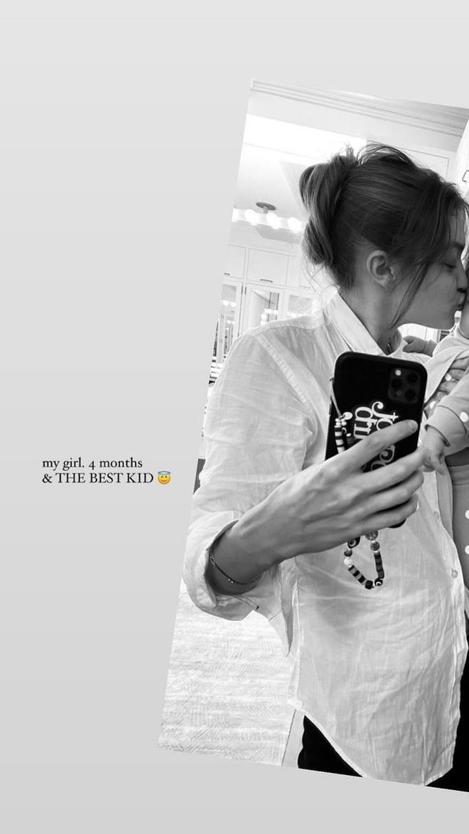 Джіджі Хадід з донькою
