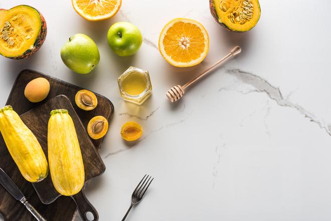 Яблоки и апельсины, мед