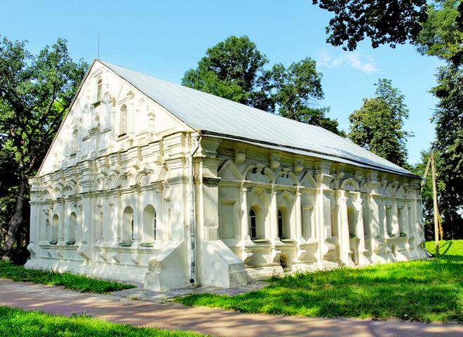 Уникальная архитектура: 15 самых впечатляющих зданий Украины