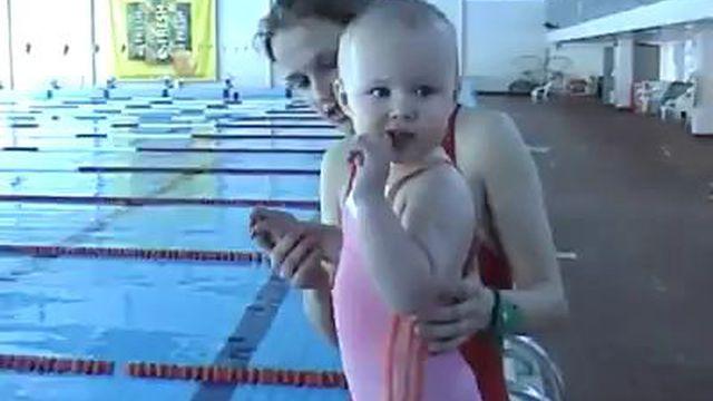 Дождь прикольные ролики в бассейне секс