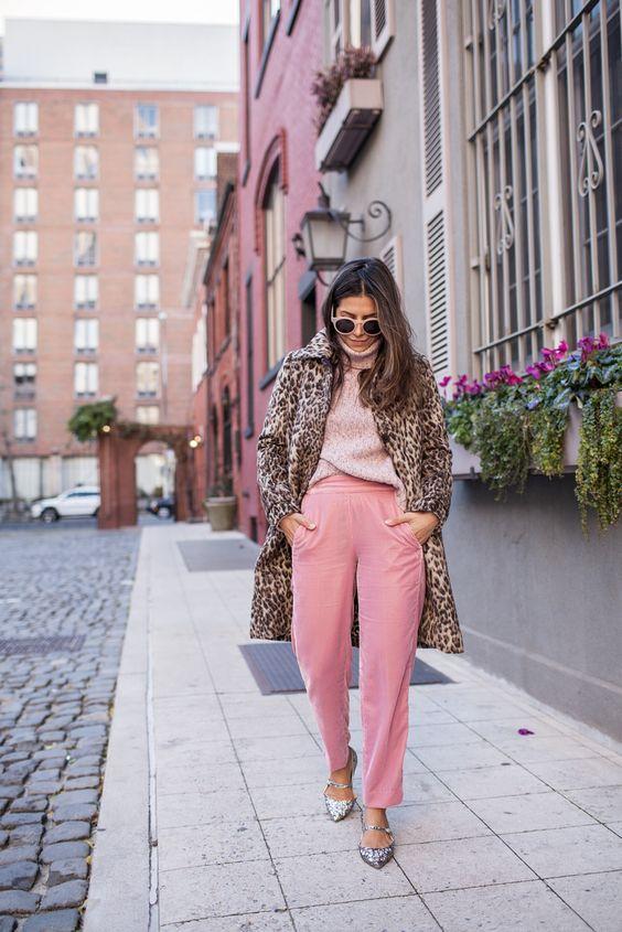 Розовые джинсы осень 2020