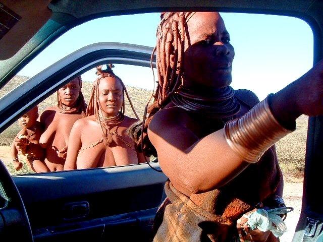 Подорож до племені Хімба