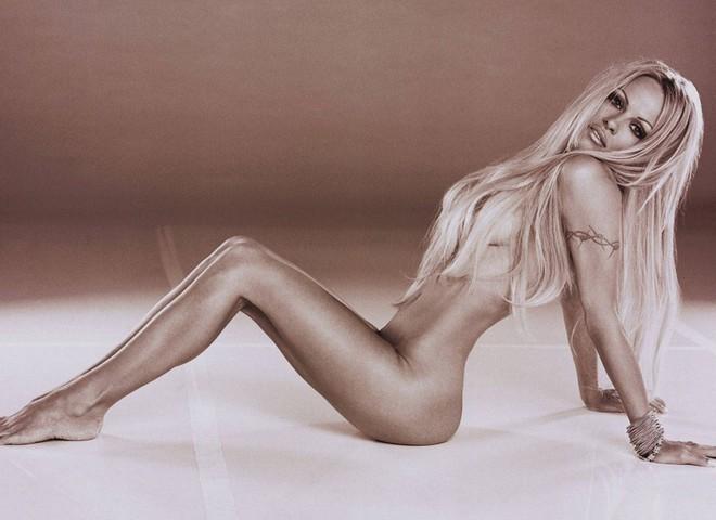 Приколи привабливі жіночі груди 1 фотография