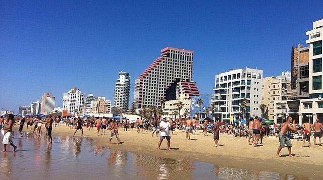 Топ-5 лучших городских пляжей в мире: пляж Гордон, Тель-Авив, Израиль