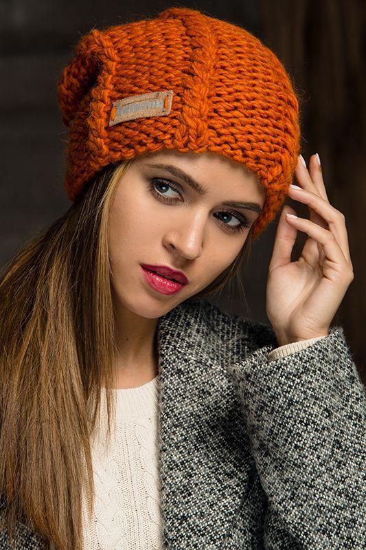 Вязаные шапки 2017: самые актуальные модели