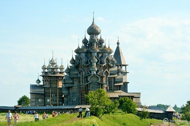 Преображенская церковь на острове Кижи (Россия)
