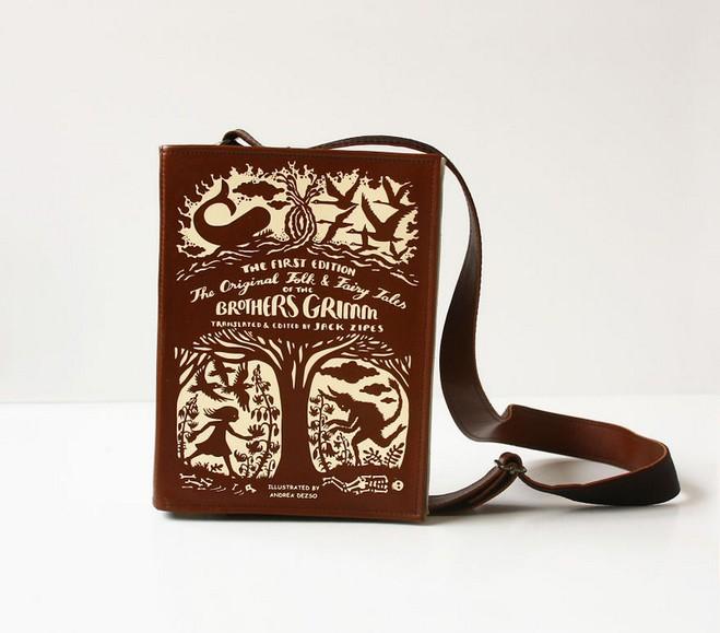 Как с обложки: дизайнерские сумки-книги